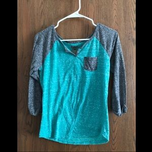 Gray and teal 3/4 sleeve